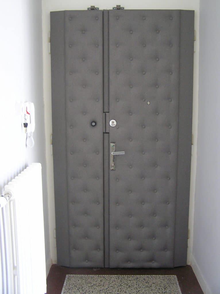 Čalounění dveří s knoflíky