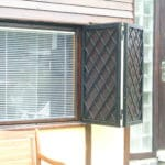Mřížové okenice obložení dřevem